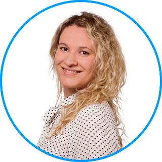 Team des AugenOperationsCentrums: Frau Dr. Regine Krehn